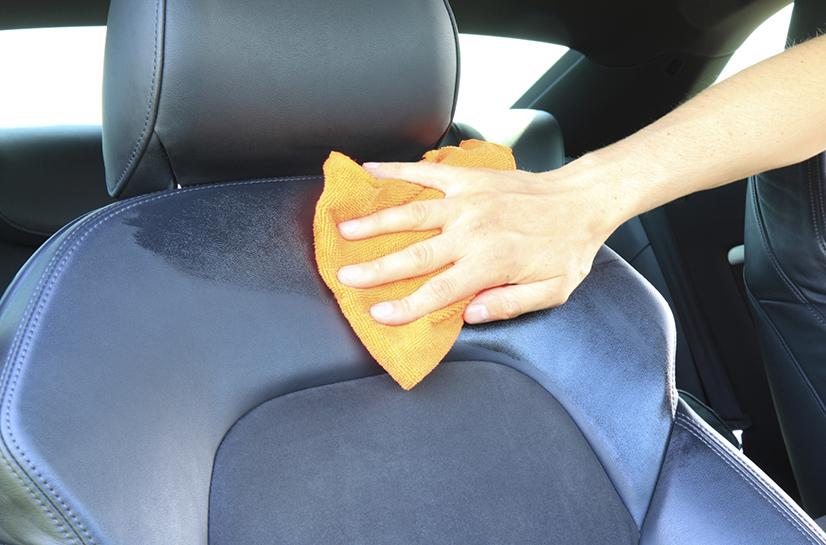 loại bỏ mùi khó chịu trên xe
