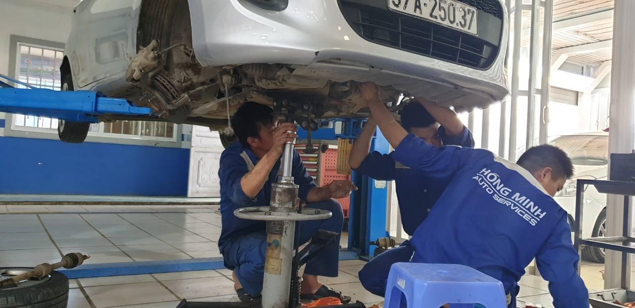 bảo dưỡng gầm máy xe ô tô