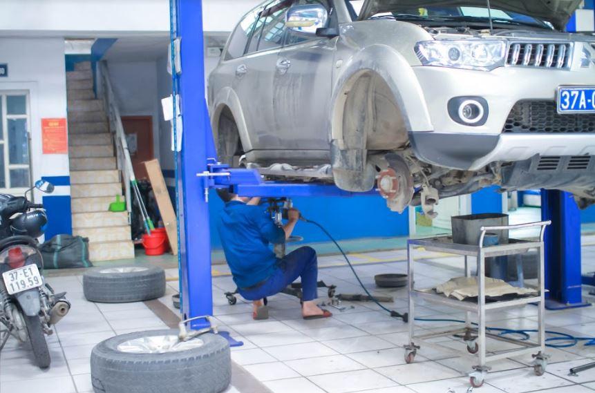 Bảo dưỡng gầm máy xe ô tô tại Vinh