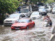 Kinh nghiệm lái xe mùa mưa bão