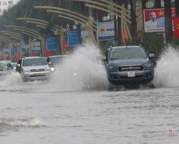 Lưu ý khi lái xe qua vùng ngập nước