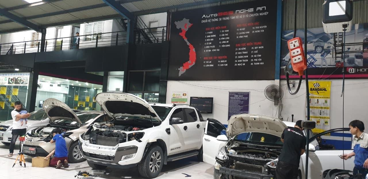 Hình Ảnh một số xe đang lắp đặt phụ kiện và nâng cấp ánh sáng đền cho xe yêu tại Auto 365 Nghệ an